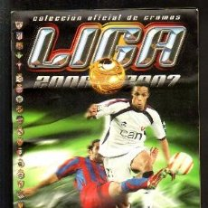 Coleccionismo deportivo: ALBUM COLECCIÓN OFICIAL LIGA 2006-07 1ª DIVISION. COLECCIONES ESTE. ALBUM INCOMPLETO. A-ALB-1157. Lote 53266466
