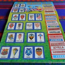 Coleccionismo deportivo: FÚTBOL 90 INCOMPLETO CON PÓSTER COMPLETO. PANINI. REGALO LIGA 95 96. BUEN ESTADO.. Lote 53856217
