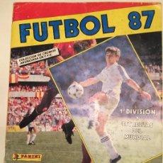 Coleccionismo deportivo: FUTBOL 87 PANINI ALBUM CON 187 CROMOS . Lote 58416508