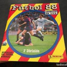 Coleccionismo deportivo: FUTBOL 88 PANINI. ALBUM COMPLETO A FALTA DE 68 CROMOS. INCLUYE POSTER CENTRAL (ALB-A). Lote 64322027