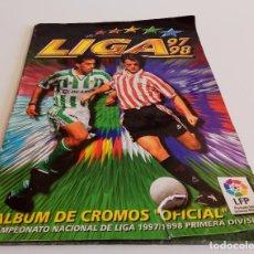 Coleccionismo deportivo: ALBUM DE CROMOS FUTBOL CAMPEONATO NACIONAL LIGA 97-98 PRIMERA DIVISIÓN ESTE. Lote 80705590