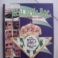 Coleccionismo deportivo: ALBUM REAL BETIS TEMPORADA 96/97. SOLO LE FALTA UN FOTO CROMO (UREÑA). BUEN ESTADO.. Lote 86515372