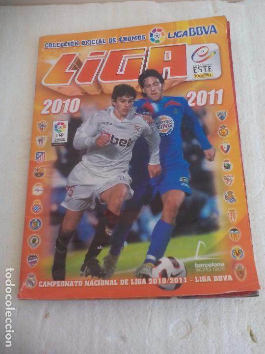 ALBUM DE CROMOS LIGA 2010 2011, LIGA DE FUTBOL, COLECCIONES ESTE, PANINI. UNOS 300 CROMOS (Coleccionismo Deportivo - Álbumes y Cromos de Deportes - Álbumes de Fútbol Incompletos)