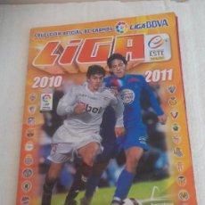 Coleccionismo deportivo: ALBUM DE CROMOS LIGA 2010 2011, LIGA DE FUTBOL, COLECCIONES ESTE, PANINI. UNOS 300 CROMOS. Lote 92008840