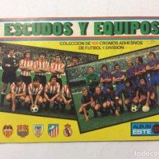 Coleccionismo deportivo: ÁLBUM ESCUDOS Y EQUIPOS + SOBRE VACÍO . Lote 93746970