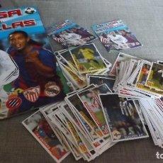 Coleccionismo deportivo: EDITORIAL COLOMBIANA ( ALBUM LA LIGA DE LAS ESTRELLAS 2004 05) ALBUM VACIO + 150 CROMOS NUEVOS. Lote 94149295