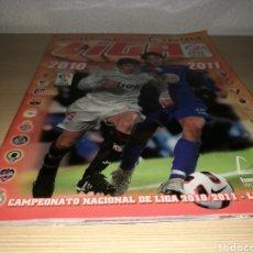 Coleccionismo deportivo: ÁLBUM DE FÚTBOL DE LA LIGA ESPAÑOLA. ESTE. TEMPORADA 2010-21. CON 69 CROMOS. Lote 95498114