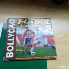 Coleccionismo deportivo: ÁLBUM DE FÚTBOL DE LA LIGA ESPAÑOLA. TEMPORADA 1996-97. BOLLYCAO. TIENE 113 CROMOS. Lote 100247303
