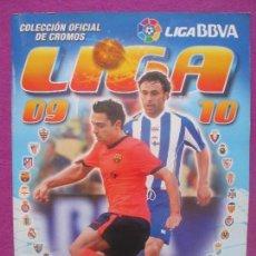 Coleccionismo deportivo: ALBUM CROMOS FUTBOL, CAMPEONATO LIGA 09-10, ESTE, TIENE 443 CROMOS, 62 FICHAJES, A. Lote 104634371