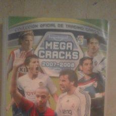 Coleccionismo deportivo: ALBUM MEGA CRACKS 2007 2008, CON 350 CARTAS CROMOS (VER FOTO LIGERO DESPERFECTO EN LOMO). Lote 105114099