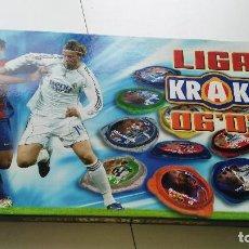 Coleccionismo deportivo: ALBUM ESTUCHE DE LA LIGA KRAKS ( TAZOS ) DE PANINI TEMPORADA 2006-2007. Lote 107780147