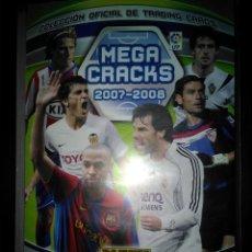 Coleccionismo deportivo: ALBUM MEGA CRACKS 2007 2008, PANINI, CON 340 CARTAS-TRADING CARDS-CROMOS (LIGEROS DESPERFECTOS LOMO. Lote 109046883