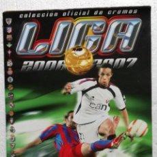 Coleccionismo deportivo: ALBUM DE FUTBOL 2006-07, ESTE - CONTIENE 286 CROMOS, DE LOS CUALES 22 SON FICHAJES. Lote 116573679