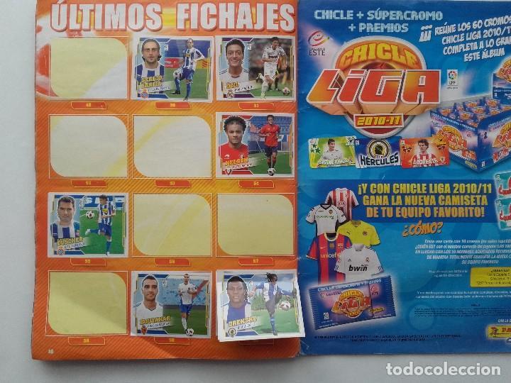 Coleccionismo deportivo: ALBUM CROMOS FUTBOL LIGA 2010 2011, COLECCIONES ESTE, CONTIENE 492 CROMOS + 27 CROMO CHICLE - Foto 25 - 119930827