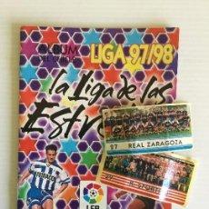 Coleccionismo deportivo: ÁLBUM VACÍO CHICLE LIGA 97/98 + 2 CROMOS. Lote 120830663