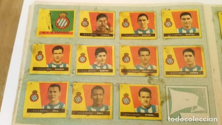 Coleccionismo deportivo: ALBUM CAMPEONES LAS MAS FAMOSAS FIGURAS DEL FUTBOL ESPAÑOL 1960 , EDT BRUGUERA 1959- faltan 56 - Foto 9 - 124049451