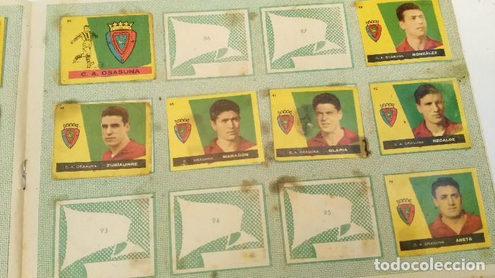 Coleccionismo deportivo: ALBUM CAMPEONES LAS MAS FAMOSAS FIGURAS DEL FUTBOL ESPAÑOL 1960 , EDT BRUGUERA 1959- faltan 56 - Foto 10 - 124049451