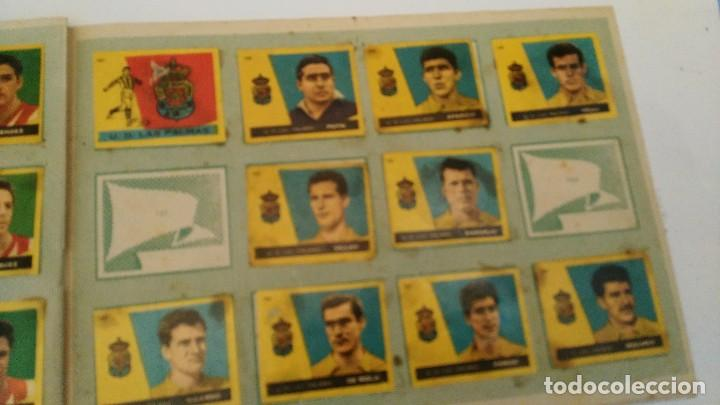 Coleccionismo deportivo: ALBUM CAMPEONES LAS MAS FAMOSAS FIGURAS DEL FUTBOL ESPAÑOL 1960 , EDT BRUGUERA 1959- faltan 56 - Foto 16 - 124049451