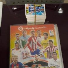 Coleccionismo deportivo: ALBÚM ADRENALYN 2016 - 17 - CON 370 CROMOS - INCLUYE BALÓN ORO MESSI Nº467 + 200 REPETIDOS DE REGALO. Lote 125868987