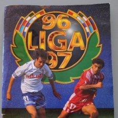 Coleccionismo deportivo: ÁLBUM DE CROMOS DE FÚTBOL. LIGA 1996 1997 96 97. COMPLETO. CONTIENE 539 CROMOS. Lote 129561351