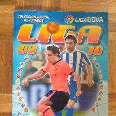 Coleccionismo deportivo: ÁLBUM DE CROMOS DE FÚTBOL LIGA 09-10, ESTE, BASTANTE COMPLETO. Lote 110238394