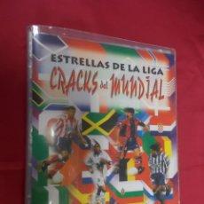 Coleccionismo deportivo: ALBUM INCOMPLETO. ESTRELLAS DE LA LIGA. CRACKS DEL MUNDIAL . PANINI. CONTIENE 93 CROMOS. Lote 131953954