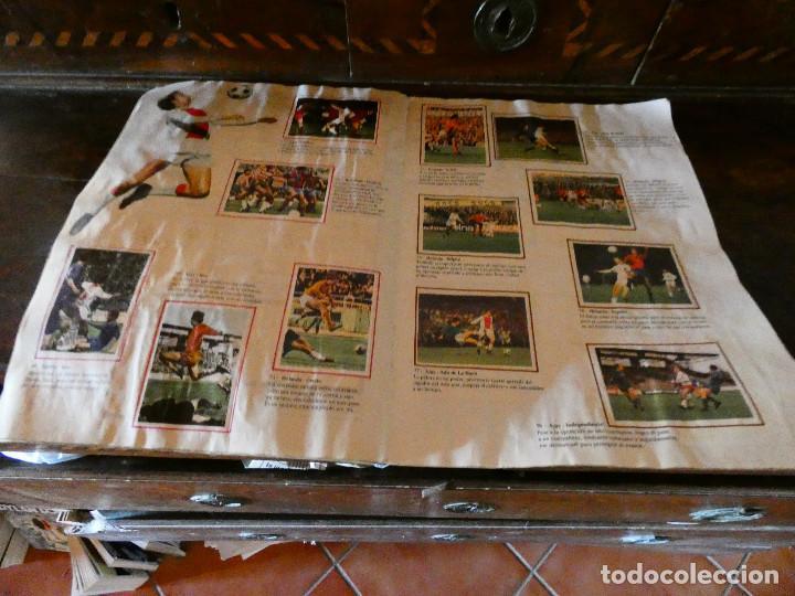 Coleccionismo deportivo: ALBUM DE CROMOS JOHAN CRUYFF ASI JUEGO AL FUTBOL CROPAN AÑOS 70 CON POSTER CENTRAL. - Foto 4 - 132991722