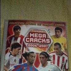 Coleccionismo deportivo: ALBUM DE CROMOS DE FUTBOL MEGA CRACKS 2006-2007.PANINI SPORTS.CON 410 CROMOS. Lote 134893850