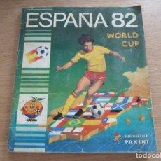 Coleccionismo deportivo: ALBUM CROMOS FUTBOL MUNDIAL ESPAÑA 82 PANINI FALTAN 3 CROMOS CONTIENE 3 AUTOGRAFOS KEMPES CLEMENCE. Lote 135066230