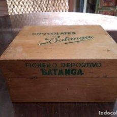 Coleccionismo deportivo: ALBUM CROMOS FICHERO DEPORTIVO CHOCOLATES BATANGA. CAJA MADERA. PARA SUS CROMOS DE FÚTBOL. Lote 138833358
