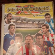 Coleccionismo deportivo: ÁLBUM CON 422 CARTAS ADRENALYN XL 2011-12 PANINI MUY COMPLETO. Lote 142104774