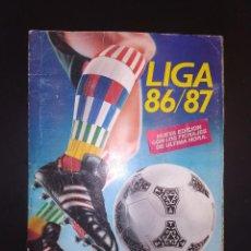 Coleccionismo deportivo: ALBUM LIGA ESTE 1986 1987 - 86-87 CONTIENE SOBRE LOS 250 CROMOS. . Lote 165132202