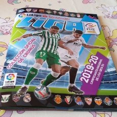 Coleccionismo deportivo: ALBUM LIGA ESTE CON 372 CROMOS PEGADO Y 41 CROMO DE CHICLE. Lote 173923643