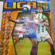 Coleccionismo deportivo: ALBUM LIGA ESTE 2005/06 CASI COMPLETO CON MUCHOS COLOCAS Y ÚLTIMOS FICHAJES . Lote 174499328