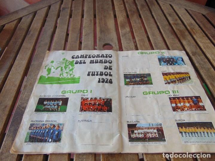 Coleccionismo deportivo: ALBUM DE FUTBO 1974 XIBECA SPORT CERVEZAS DAMM PRIMERA DIVISION SELECCIONES DE MUNICH - Foto 21 - 175569674