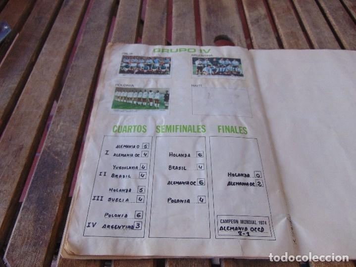 Coleccionismo deportivo: ALBUM DE FUTBO 1974 XIBECA SPORT CERVEZAS DAMM PRIMERA DIVISION SELECCIONES DE MUNICH - Foto 22 - 175569674