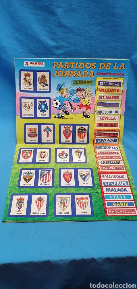 Coleccionismo deportivo: Album de cromos panini futbol 90 incompleto con póster completo en el interior - Foto 15 - 175769604