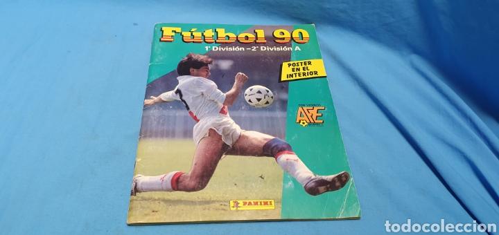 ALBUM DE CROMOS PANINI FUTBOL 90 INCOMPLETO CON PÓSTER COMPLETO EN EL INTERIOR (Coleccionismo Deportivo - Álbumes y Cromos de Deportes - Álbumes de Fútbol Incompletos)