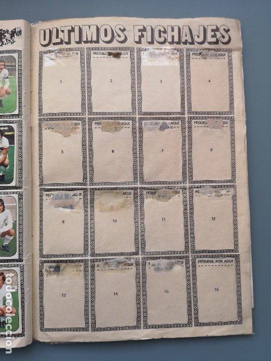 Coleccionismo deportivo: ALBUM FUTBOL EDICS ESTE TEM 1976 1977 76 77 CASI COMPLETO 284 CROMOS SIN FICHAJES PEGADOS VENTANILLA - Foto 22 - 176334225