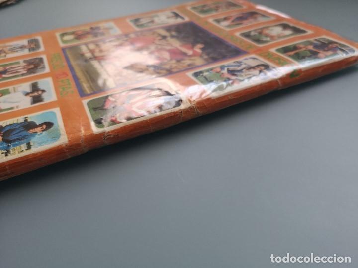 Coleccionismo deportivo: ALBUM FUTBOL EDICS ESTE TEM 1976 1977 76 77 CASI COMPLETO 284 CROMOS SIN FICHAJES PEGADOS VENTANILLA - Foto 26 - 176334225