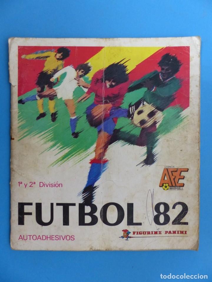 ALBUM CROMOS - FUTBOL 82 - PANINI - VER DESCRIPCION Y FOTOS (Coleccionismo Deportivo - Álbumes y Cromos de Deportes - Álbumes de Fútbol Incompletos)