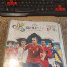 Coleccionismo deportivo: ALBUM ADRENALYN EURO 2012 PANINI CON 137 CARTAS BASICAS DIFERENTES (LEER DESCRIPCIÓN). Lote 193859571