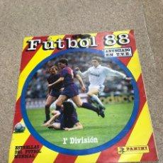 Coleccionismo deportivo: ÁLBUM DE CROMOS DE FUBTOL PRIMERA DIVISIÓN 1988 INCOMPLETO. Lote 194304702