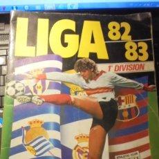 Coleccionismo deportivo: ALBUM LIGA 82-83 1ª DIVISION - INCOMPLETO 86 CROMOS LA PAG. DEL F. C. BARCELONA SE APRECIA QUE HAN S. Lote 195461787