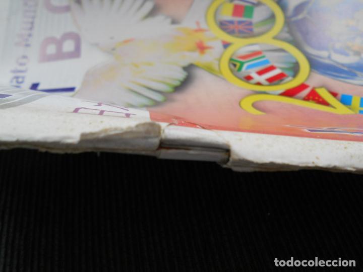 Coleccionismo deportivo: DEFECTOS ALBUM VACIO PLANCHA SIN CROMOS FIFA WORLD CUP KOREA JAPAN 2002 COREA JAPON 02 REYAUCA - Foto 9 - 200041433