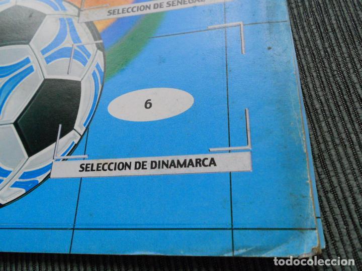 Coleccionismo deportivo: DEFECTOS ALBUM VACIO PLANCHA SIN CROMOS FIFA WORLD CUP KOREA JAPAN 2002 COREA JAPON 02 REYAUCA - Foto 17 - 200041433