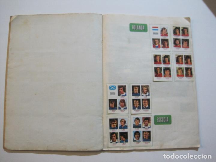 Coleccionismo deportivo: MUNICH 74-ALBUM DE FUTBOL CASI COMPLETO-FALTA 1 CROMO-FHER-TARJETA COCA COLA-VER FOTOS-(V-20.024) - Foto 16 - 204319305