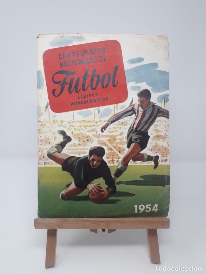 ALBÚM DE FÚTBOL CAMPEONATOS NACIONALES DE FÚTBOL 1954 INCOMPLETO (FALTAN 49 DE 306 NÚMEROS) (Coleccionismo Deportivo - Álbumes y Cromos de Deportes - Álbumes de Fútbol Incompletos)