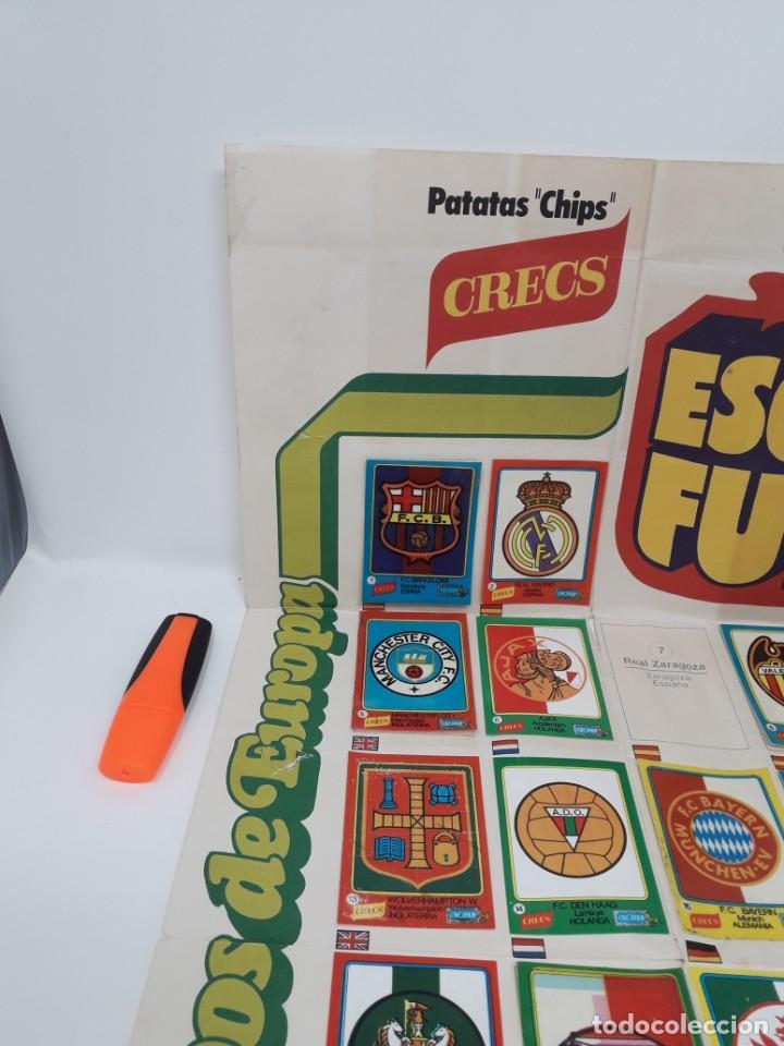 Coleccionismo deportivo: Poster-Álbum Escudos Fútbol-Cropan-Patatas Crecs-Los Grandes Equipos de Europa 55/60 cromos!! - Foto 3 - 204825008