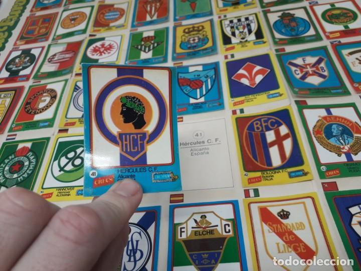 Coleccionismo deportivo: Poster-Álbum Escudos Fútbol-Cropan-Patatas Crecs-Los Grandes Equipos de Europa 55/60 cromos!! - Foto 5 - 204825008